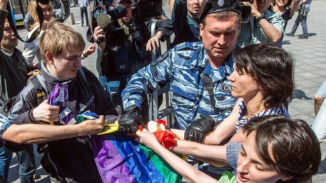 Represión contra el movimiento LGTBI en Moscú. Foto: ABC